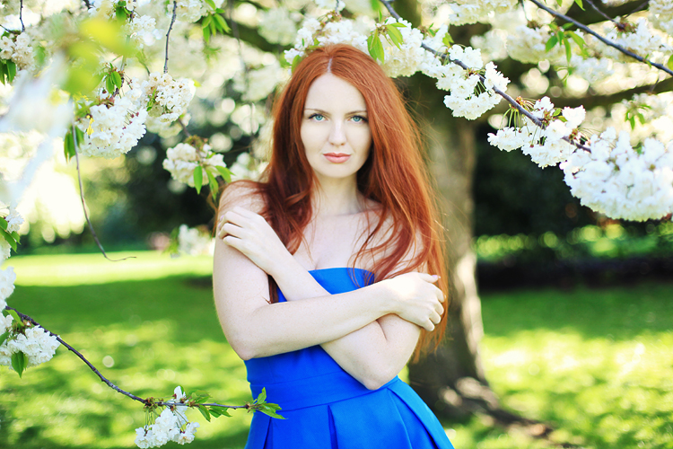 London-fashion-photoshoot-Regents_park_cherry_blossom_redhair_beauty13