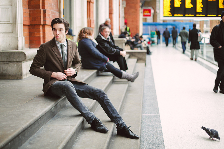 London_fashion_photoshoot_mens_Liverpool_street_portrait01