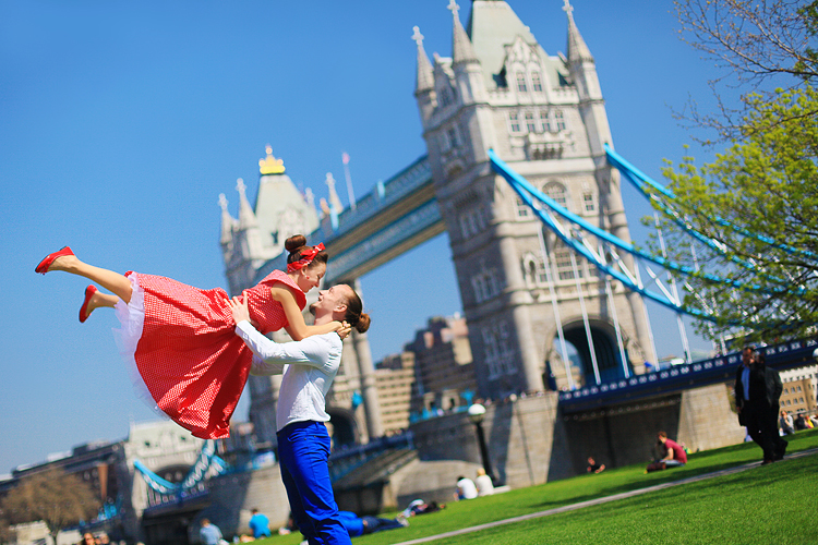 London_love-story-engagement-prewedding-photoshoot-dancers-outdoor-Big-Ben_01