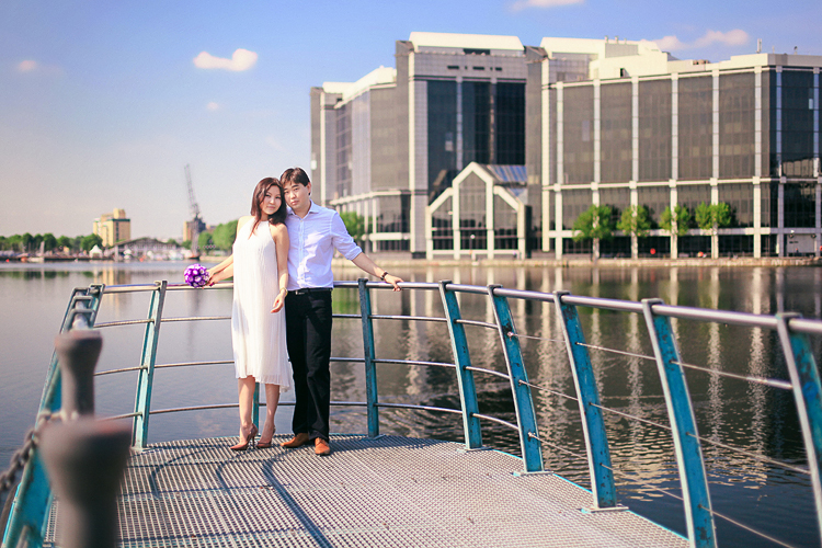 Love-story_photoshoot_engagement_pre-wedding_London_canary_wharf_westminster_big_ben_003