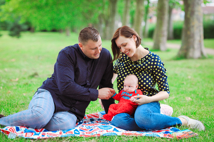 London park outdoor family photoshoot baby boy summer01