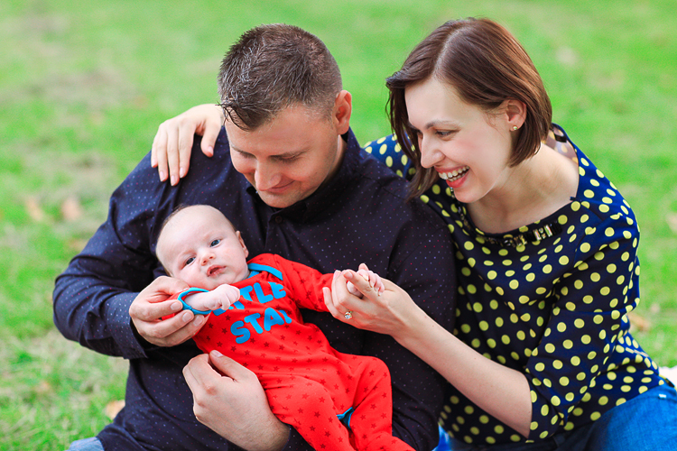 London-park-outdoor_family-photoshoot-baby-boy-summer03