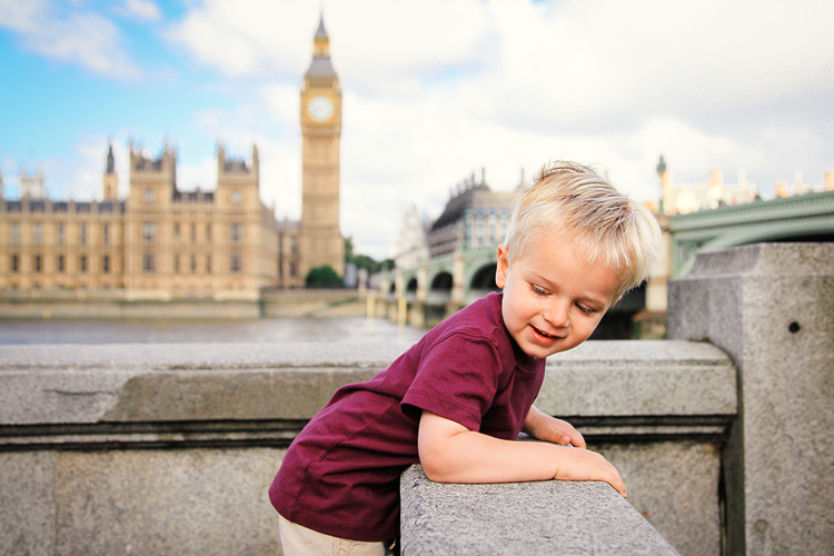 Family outdoor photo shoot London Big Ben Westminster Hampstead Heath01