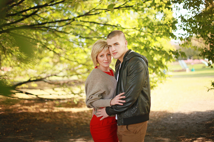Love_engagement_photo_shoot_London_Regents_park_autumn_fall_001