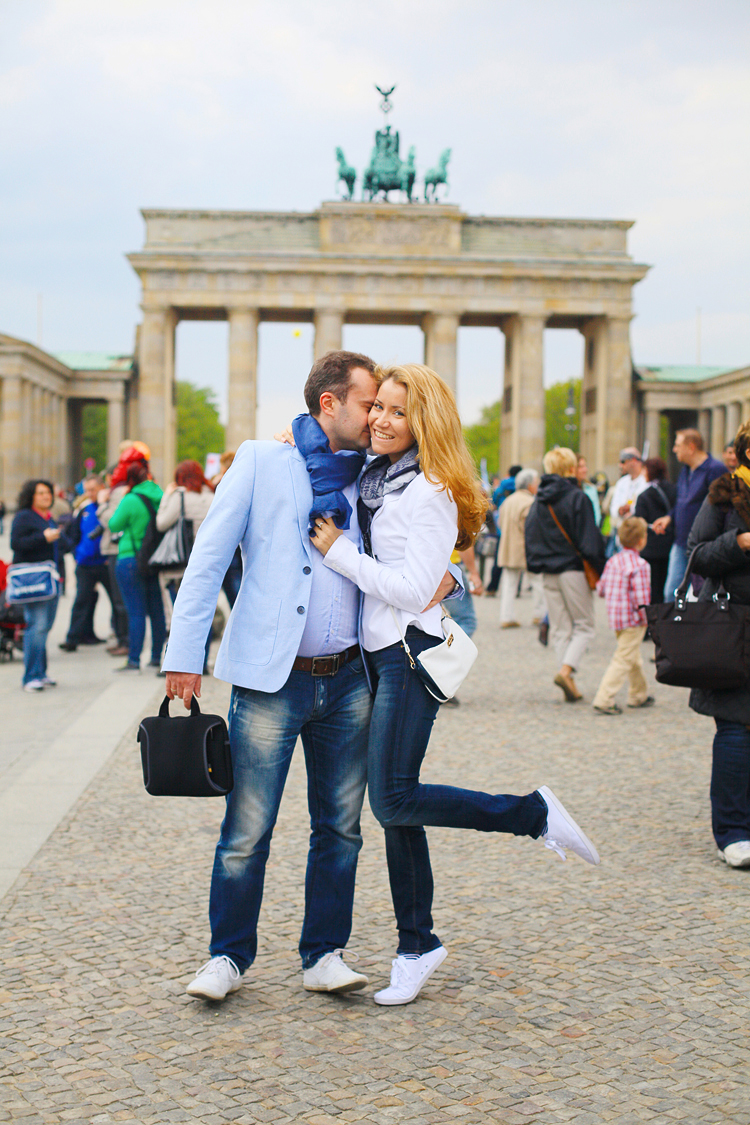 Berlin_love_engagement_photo_shoot_Potsdam_Germany_destination_romantic_001