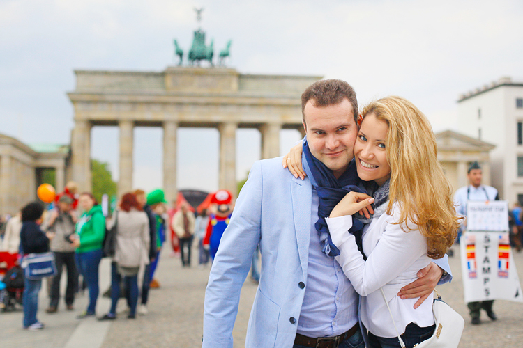 Berlin_love_engagement_photo_shoot_Potsdam_Germany_destination_romantic_002