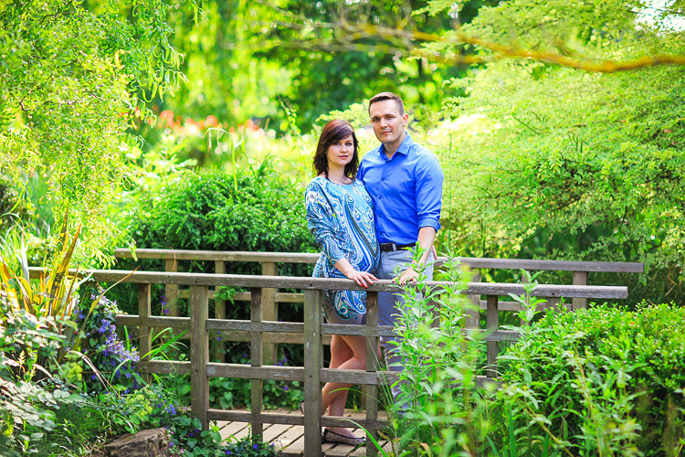 pregnancy_maternity_couple_photo_shoot_London_Regents_park_summer_rose_garden_sunset_002