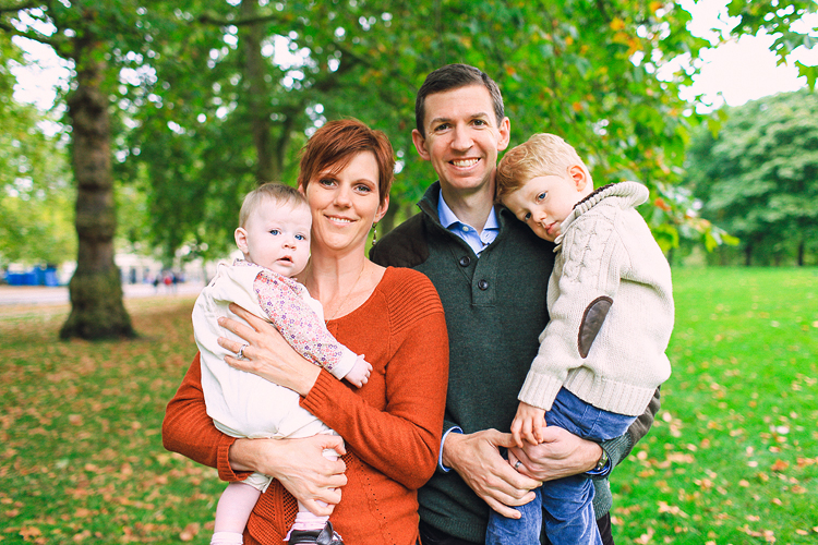 family_photo_shoot_London_st_james_park_westminster_autumn_outdoor_001