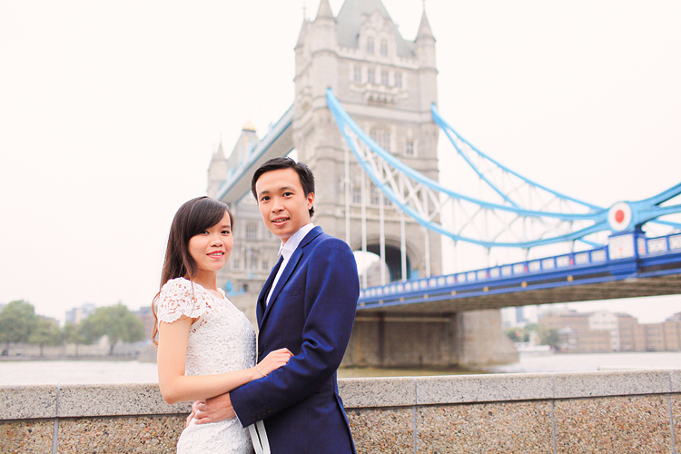 love_story_engagement_pre_wedding_photo_shoot_London_westminster_Big_Ben_Tower_Bridge_Piccadilly_001