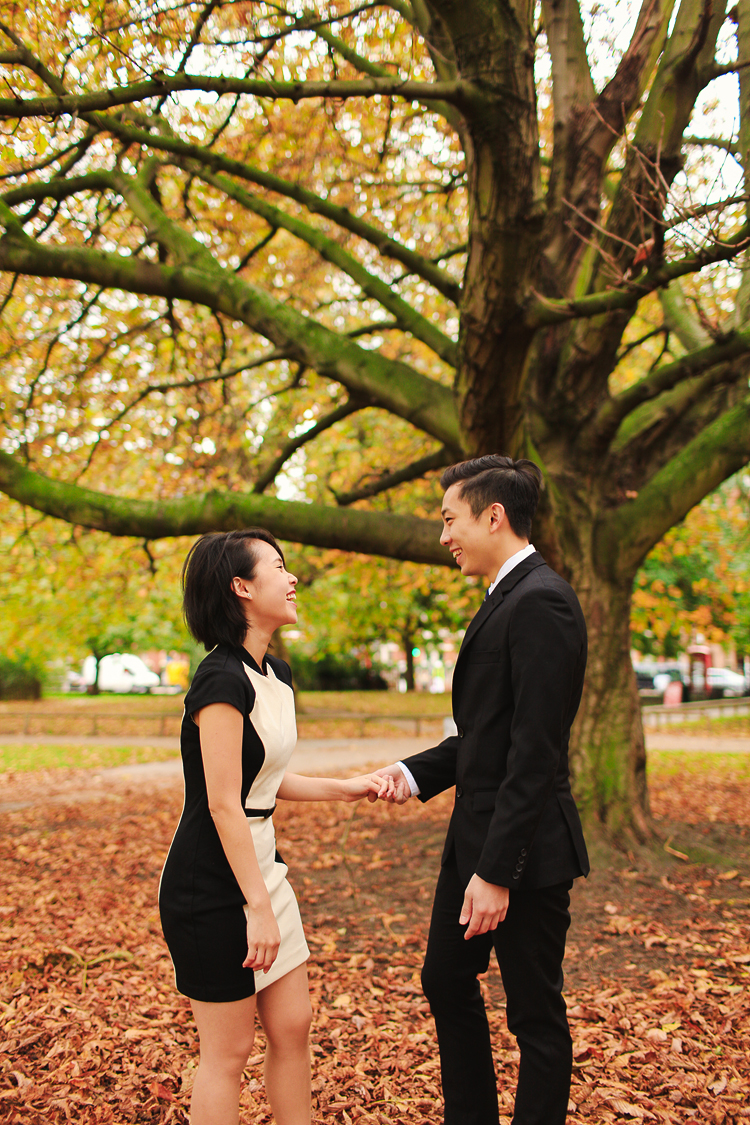 Graduation_love_couple-photo_shoot_London-Kensington_Autumn_outdoor_01