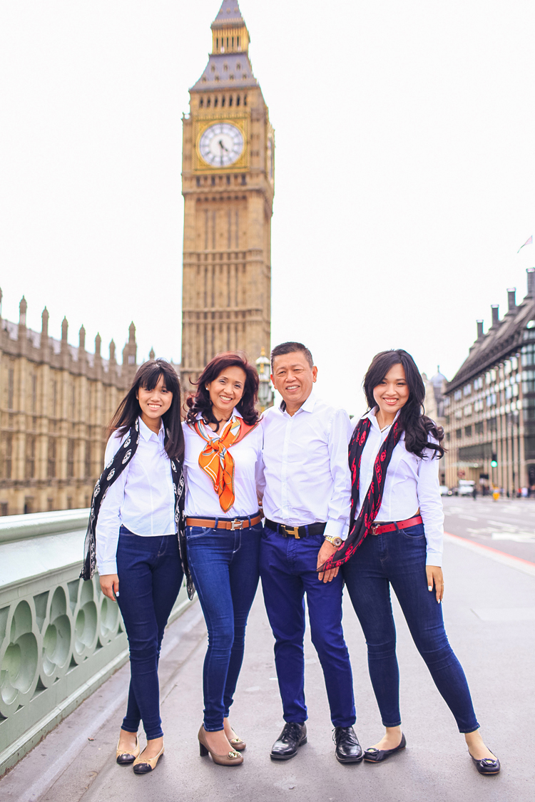 Family photoshoot in London Westminster Buckingham  Big Ben Tower01