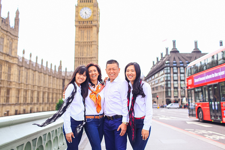 Family photoshoot in London Westminster Buckingham  Big Ben Tower02