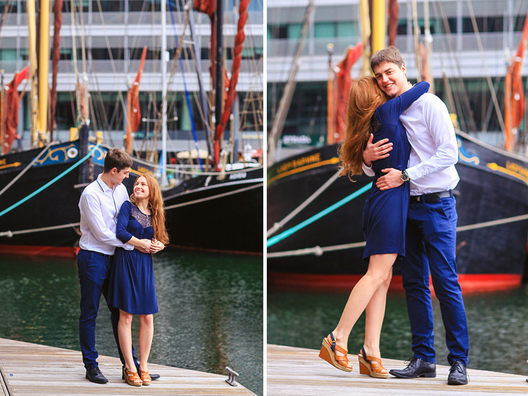 engagement pre wedding couple love story photo shoot london tower bridge st katharine docks red heart balloons (3)