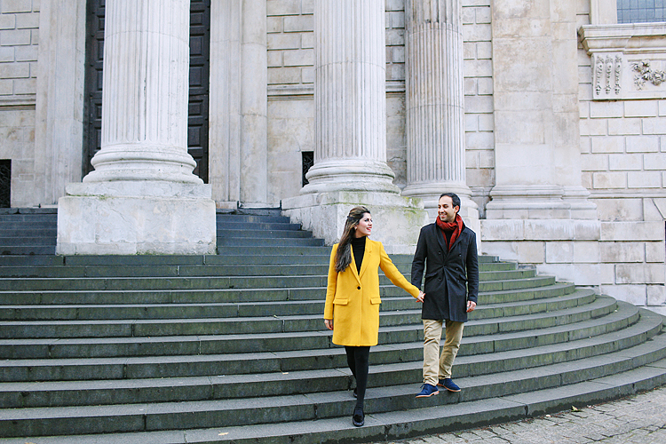 st pauls cathedral millenium bridge engagement couples photo shoot winter