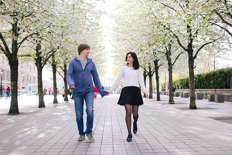 couples engagement outdoor London westminster big ben photo shoot