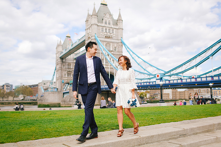 pre wedding engagement couples photo shoot tower bridge London spring love