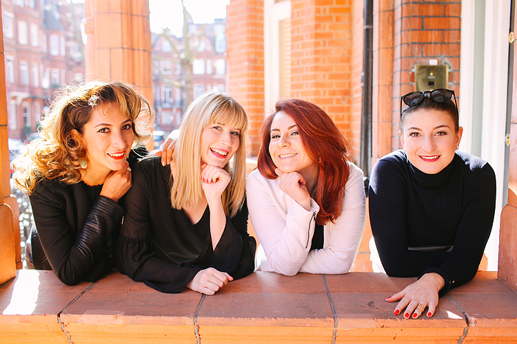 friends girls party outdoor London photo shoot chelsea kings road portrait spring (2)