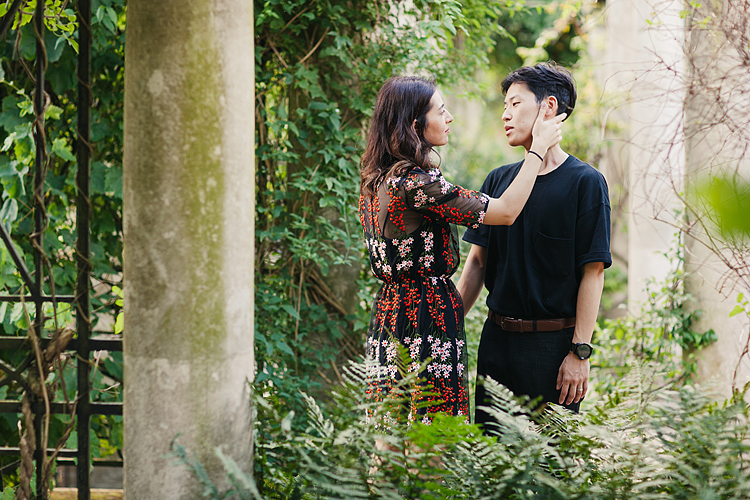 Hampstead Pergola and Hill Gardens hampstead heath park London engagement love couples shoot summer boho pre wedding (2)