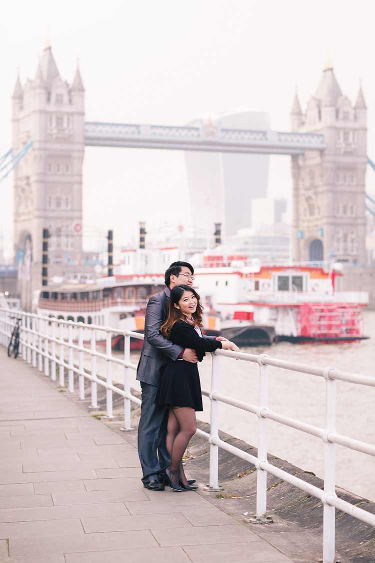 engagement couples photographer pre wedding london love big ben westminster tower bridge spring couple photo shoot piccadilly evening