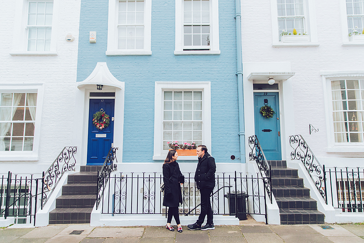 winter christmas couples engagement photo shoot London notting hill fog (1)