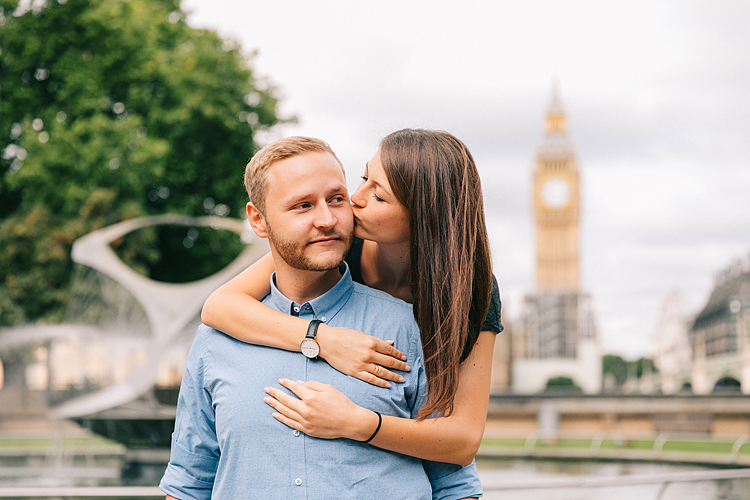 couples engagement pre wedding london outdoor summer photo shoot love story photographer westminster big ben (1)