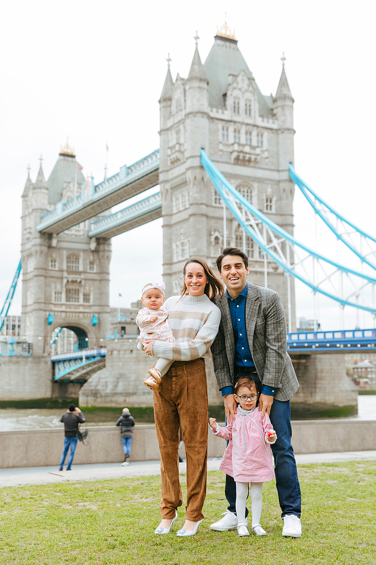 family photographer london photo shoot tower bridge notting hill
